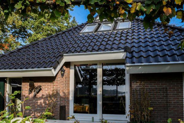 nieuwe-dakgoten-en-dakpannen-2